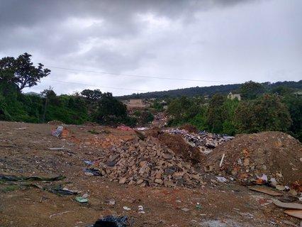 En la zona se percibe fauna nociva debido a la cantidad de residuos.