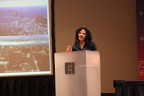Investigadora del Laboratorio Nacional de Energía Renovable (NREL) en Golden E.U.A. Patricia Lankao