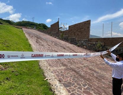 Evidencia de clausura de desarrollo inmobiliario por parte de elementos de PROEPA, Jalisco